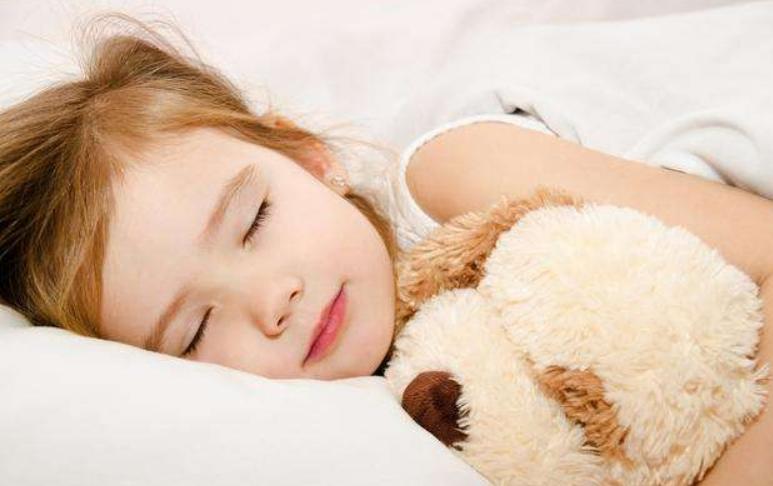 宝宝白天小睡接觉方法,训练宝宝接觉的技巧01