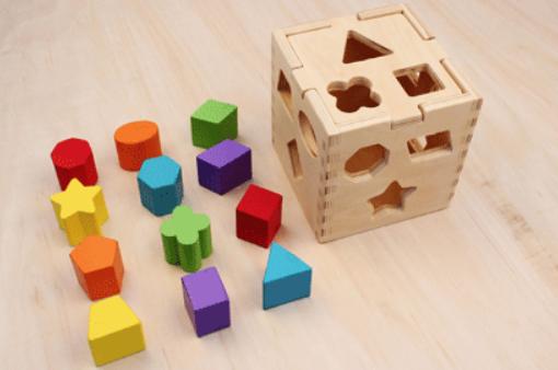 早教玩具颜色分类教案,宝宝早教玩具推荐4