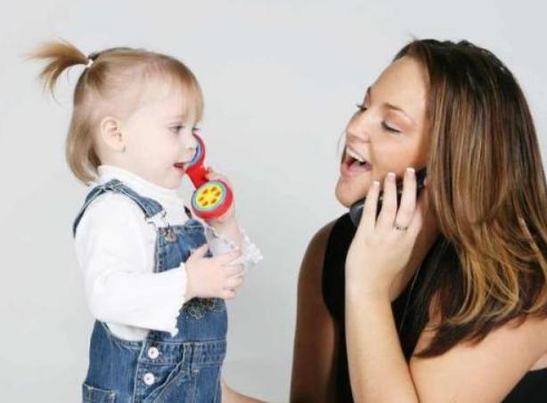 判断7个月大婴儿智力方法,七个月宝宝聪明的表现有哪些
