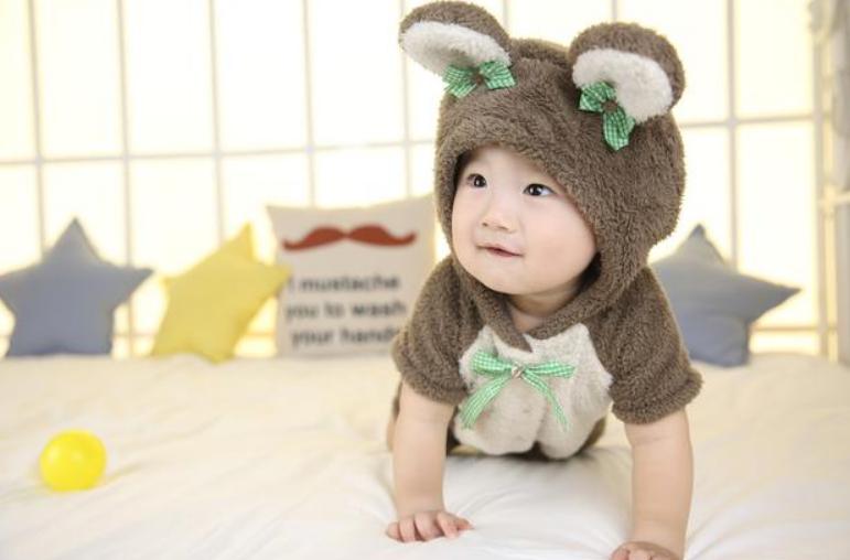 宝宝十个月聪明的表现,10个月婴儿发育标准1