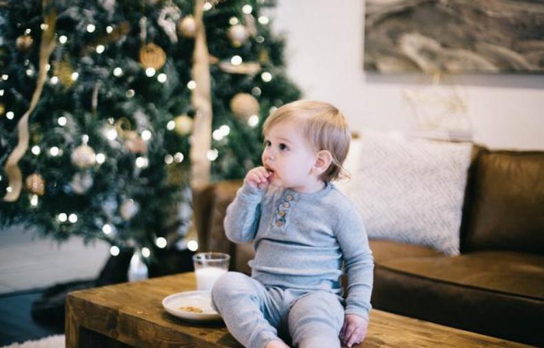 宝宝十个月聪明的表现,10个月婴儿发育标准3