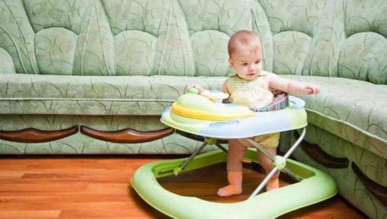 宝宝一岁八个月智力发育,20个月婴儿聪明表现1