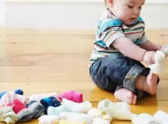 1岁半宝宝早教游戏,一岁半幼儿亲子互动游戏1