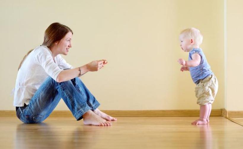 0-30个月宝宝大动作训练重点,促进宝宝的大脑发育11