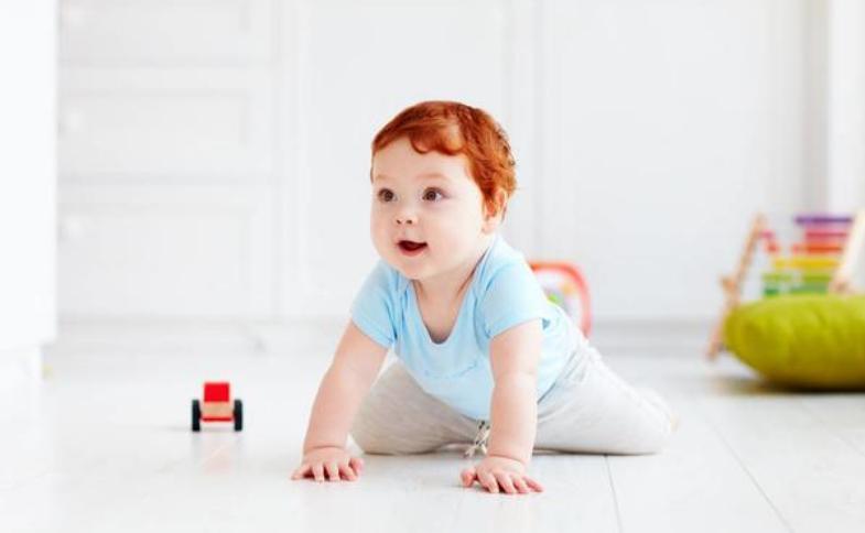 4-6个月宝宝亲子游戏,半岁内婴儿早教互动游戏3