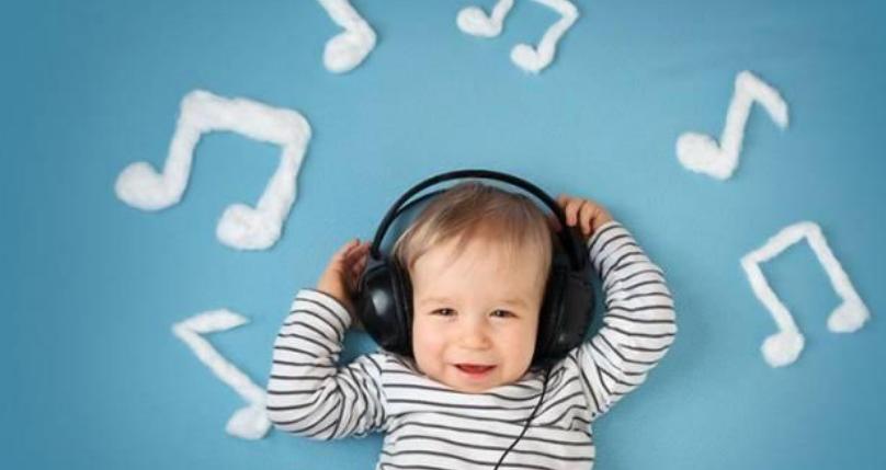 4个多月宝宝怎么早教,开发智力小游戏3