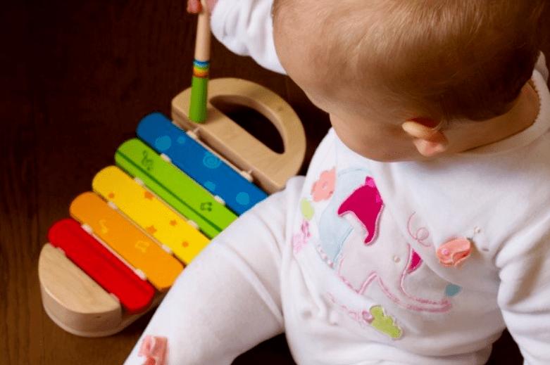 5个月宝宝早教游戏和音乐歌曲推荐2.