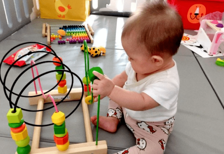 0-12个月宝宝,手部精细动作训练小游戏大全3
